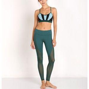ALO Yoga Pants - Alo yoga Motion Legging  COLOR:Evermist